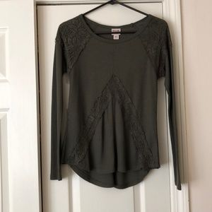 Long sleeved green lace top